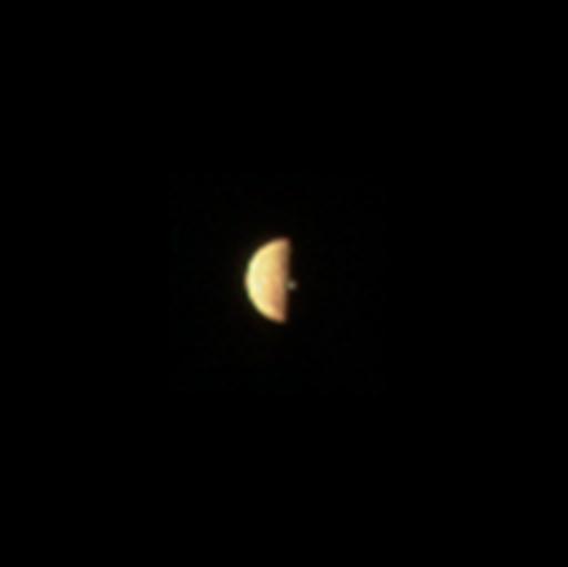 Aktive Io: Juno-Sonde fotografiert Vulkanausbruch